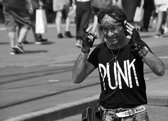 Problems (Photographer : Hans Stellingwerf) Tags: amsterdam stationsplein centralstationsquare straatfotografie streetphotography nederland netherlands holland mensen people straatmoment hansstellingwerf portret portrait music muziek punk