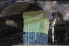 Zollenbrücke Hamburg (Elbmaedchen) Tags: ältestebrückehamburgs zollenbrücke hamburg fleet sandstein reflektion reflection bridge niedrigwasser ebbe blaualge grün