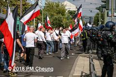 Rudolf-Heß-Gedenkmarsch 2018: Mord verjährt nicht! Gebt die Akten frei! Recht statt Rache  und Gegenprotest: Keine Verehrung von Nazi-Verbrechern! NS-Verherrlichung stoppen! – 18.08.2018 – Berlin –IMG_6278 (PM Cheung) Tags: rudolfhessmarsch wwwpmcheungcom berlin mordverjährtnichtgebtdieaktenfreirechtstattrache neonazis demonstration berlinspandau spandau friedrichshain hesmarsch rudolfhes 2018 antinaziproteste naziaufmarsch gegendemonstration 18082018 blockade npd lichtenberg polizei platzdervereintennationen polizeieinsatz pomengcheung antifabündnis rechtsextremisten protest auseinandersetzungen blockaden pmcheung mengcheungpo pmcheungphotography linksradikale aufmarsch rassismus facebookcompmcheungphotography keineverehrungvonnaziverbrechernnsverherrlichungstoppen antifaschisten mordverjährtnicht rudolfhesmarsch sitzblockaden kriegsverbrechergefängnisspandau nsdap nskriegsverbrecher geschichtsrevisionismus nsverherrlichungstoppen hitlerstellvertreterrudolfhes 17august1987 rathausspandau ichbereuenichts b1808 festderdemokratie verantwortungfürdievergangenheitübernehmen–fürgegenwartundzukunft rudolfhessmarsch2018 rudolfhesgedenkmarsch rudolfhesgedenkmarsch2018