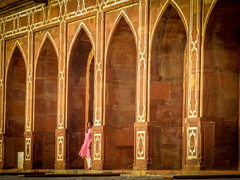 late afternoon (Robert Borden) Tags: tomb memorial humayanstomb woman people person lateafternoon goodlight golden canon canonelph canonpowershot canonpointandshoot canonphotography delhi india travel asia