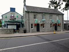 Le village d'Adare (Comté de Limerick, Irlande) (bobroy20) Tags: adare limerick comtédelimerick village irlande eire europe maison house architecture