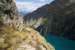trail above Lai da Curnera (Surselva, Grisons) (Toni_V) Tags: m2409087 rangefinder digitalrangefinder messsucher leicam leica mp typ240 type240 28mm elmaritm12828asph hiking wanderung randonnée escursione prioratschamut graubünden grisons grischun trail wanderweg sentiero stausee laidacurnera alps alpen landscape switzerland schweiz suisse svizzera svizra europe ©toniv 2018 180904 surselva valcurnera