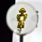 Golden statuette thumbnail