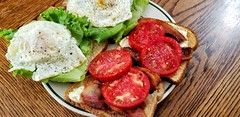 B.E.L.T. (jeffreyw) Tags: bacon egg lettuce tomato mayo toast lunch dinner sammich sandwich