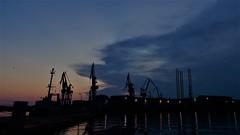 DSC01105 (2) (kriD1973) Tags: croatia croazia kroatien croatie hrvatska istra istria istrien pola pula sunset tramonto sonnenuntergang coucher soleil dämmerung crepuscolo cantieri navali harbour shipyard cranes