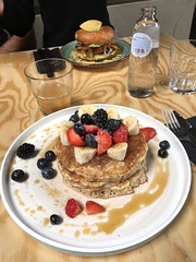 Lunch @ Leo Pancakes Leuven (18/08/2018) (Kristel Van Loock) Tags: leopancakes leuven pannekoekenzaak mechelsestraat louvain pancakes lovanio lovaina löwen visitleuven seemyleuven atleuven leuvencity leopancakesleuven vlaanderen vlaamsbrabant flanders fiandre flandre flemishbrabant visitflanders visitflemishbrabant visitbelgium food lunch pranzo brunch foodphotography pancake leuvenlife leuvenlove iloveleuven leveninleuven drieduizend yummy leuveneet leuvensmaakt 18082018 foodlover strawberries banana maplesyrop blueberries