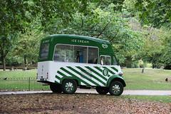 Morris ice cream service (twm1340) Tags: morris icecream truck classic london england uk stjamesspark vendor 1958morrisjtypejb