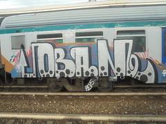 179 (en-ri) Tags: coban bianco nero indaco arrow pallini train torino graffiti writing
