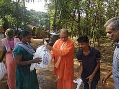 """Kerala Flood Relief Work by Ramakrishna Mission, Coimbatore <a style=""""margin-left:10px; font-size:0.8em;"""" href=""""http://www.flickr.com/photos/47844184@N02/43791360404/"""" target=""""_blank"""">@flickr</a>"""