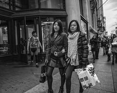 Chestnut Street, 2017 (Alan Barr) Tags: philadelphia 2017 chestnutstreet street sp streetphotography streetphoto blackandwhite bw blackwhite mono monochrome candid city people panasonic lumix gx85