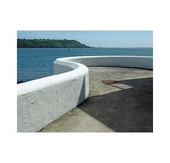 sea wall (chrisinplymouth) Tags: wall concrete seawall tinside plymouth plymouthsound devon england city uk hoe curve wb xg 2017 cw69x