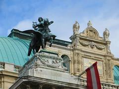 Vienna Opera House (2 of 3) (jimsawthat) Tags: vienna austria urban operahouse flag architecture architecturaldetails statues