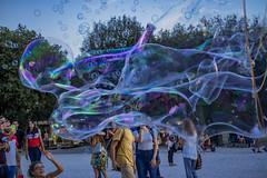 Un fantasma per amico :-) (Ajelen Foto) Tags: bolledisapone street persone pincio roma tornarebambini gioia colori divertimento ghost amicizia