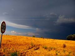 und dann das! (lualba) Tags: goldenlandscape storm weather dark sturm 30 goldenelandschaft alentejo alqueva portugal