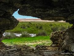 Paisaje irregular (moligardf) Tags: paisaje huecos roca playa castilnovo