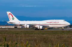 CN-MBH Boeing 747-400 Morocco Government (Stephane GolfTraveller) Tags: cnmbh boeing 747400 moroccogovernment bsl mlh euroairport basel mulhouse flughafen lfsb aeroport airport planespotting ©stephanegolftraveller sunset panning canon jumbo plane