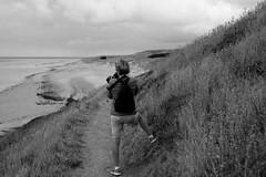 Mes bords de mer Normands (OMM.photographie) Tags: extérieur outside outdoor nature mer plage bordsdemer beach nb bw noiretblanc noirblanc blackandwhite blackwhite canon 5d eos canon5d canon5deos canoneos5d canon5dmarkiv canon5deosmarkiv 5dmarkiv people