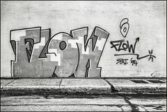 Vmont Gtown Flow Février 1996 Kodak TMax 100 158-15 (Photofil) Tags: graffiti streetart urbanart flow flowsat sat satcrew photofil montréal montrealgraffiti mtlgraf