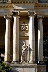 Königskolonnaden in Berlin (Sockenhummel) Tags: kleistpark potsdamerstrase wandelgang königskolonnaden königlicherbotanischergarten berlin garten park skulptur sculpture