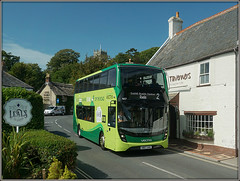 Southern Vectis 1657, Godshill (Jason 87030) Tags: godhsill 2 ryde service route village holiday september 2018 weather mmc bus new green southernvectis goahead gosouthcoast doubledecker livery 1657 scene uk england van transport