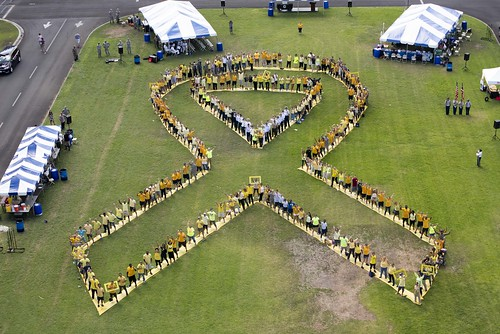 Hawaii DoD personnel commemorate National Suicide Awareness Month.