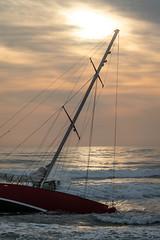 20180913_4935_7D2-70 On the Beach #2 (johnstewartnz) Tags: canon canonapsc apsc eos 7d2 7dmarkii 7d canon7dmarkii canoneos7dmkii canoneos7dmarkii 70200mm 70200 70200f28 beach newbrighton newbrightonbeach 100canon yacht stranded grounded