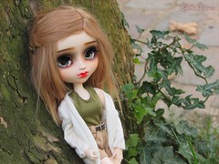 Roots Style (Little Queen Gaou) Tags: pullip doll groove artist art full custo blythe garden jardin parc paris nature fleurs flowers flowery fleuri meeting rencontre dolls passion photography photographie inspiration creation friends friendly amical amies amitié friendship trees arbres autumn automne
