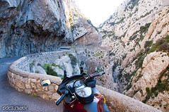 Gorges de Galamus (DOCESMAN) Tags: pyrenees gargantas gorges galamus payscathare desfiladero cañon congosto canyon moto bike honda deauville francia france paisaje landscape