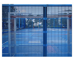 [ B L E U  /  B L A N C  /  R O U G E ] (michelle@c) Tags: urban urbanscape city cityscape architecture sports playground cage fence grid pattern man saintdenis troiscouleurs blue white red blau weiss rot cinematographic tribute mmmkk 2018 michellecourteau
