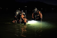 Backup Divers (NVenot) Tags: diver diving scuba water lake night dark light drysuit dry suit ffm full face mask aga interspiro aqualung public safety nitesun brinyte mitakon f095 fuji fujifilm xt1