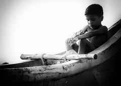 Memories in Black and White: Tamil Nadu (Angelo Petrozza) Tags: ilford delta 400 pro blackandwhite biancoenero bw tamilnadu india marina chennai madras child bambino pentaxk20d angelopetrozza memories ricordi
