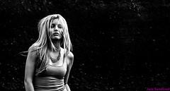 Mirian. 13. Lanzarote, abril 2013. (Jazz Sandoval) Tags: 2013 blanco blancoynegro bn bw beautiful black blackandwhite belleza beauty beautifulexpression contraste canarias curiosidad curiosity cabellera contrast digital day dìa moda elfumador españa exterior expresión expression eros eyes gente human humanfamily hembra white chica girl islascanarias ilustración jazzsandoval mujer luz lanzarote light luzmedia monocromática monócromo movimiento moving misterio mirian mirianguardia modelo negro nero noiretblanc people portrait personaje posado retrato rubia sombras sola una única wonderful woman womanexpression