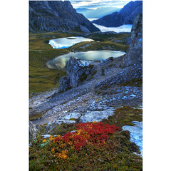 Line of sight (Robyn Hooz) Tags: locatelli trecime montagne laghetti rifugio hut lontano lineofsight bellezza dolomiti wonder dream nd veneto laghi pond iful but unforgiving