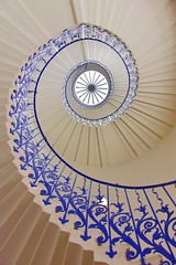 The Tulip Stairs (YazzyH) Tags: thequeenshouse greenwich stairs staircase tulipstaircase thetulipstairs tulipstairs thetulipstaircase museum house historichouse historicplaces history london architecture spiral tulips