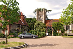 St. Mary's Church in the centre of Hambleden, Buckinghamshire (Banburyshire Photos) Tags: village england cottage buckinghamshire chilterns church valeofaylesbury