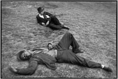 Henri Cartier-Bresson (heather.spinrad.2022) Tags: allongé blackpeopleall deuxpersonnes extérieur exterior homme25à45ans lyingdown man25to45years marseille repos rest siesta sieste sleep sommeil twopeople typehumainblanc typehumainnoir whitepeople