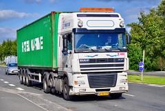 AF96574 (12.08.27)_Balancer (Lav Ulv) Tags: 100690 skanderborgvej daf dafxf xf95 xf480 95480 e3 euro3 6x2 container white afmeldt2012 retiredin2012 abgemeldet2012 htc hørbylundetransportcompany 2006 truck truckphoto truckspotter traffic trafik verkehr cabover street road strasse vej commercialvehicles erhvervskøretøjer danmark denmark dänemark danishhauliers danskefirmaer danskevognmænd vehicle køretøj aarhus lkw lastbil lastvogn camion vehicule coe danemark danimarca lorry autocarra danoise vrachtwagen trækker hauler zugmaschine tractorunit tractor artic articulated semi sattelzug auflieger trailer sattelschlepper vogntog oplegger