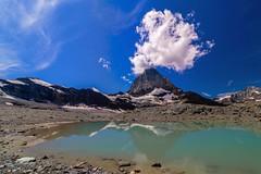 Matterhorn mit Gletschersee (sylviafurrer) Tags: berge mountain mountainlake bergsee wolken clouds wallis valais himmel sky matterhorn