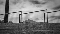 phx 00931 (m.r. nelson) Tags: phoenix arizona az america southwest usa mrnelson marknelson markinaz streetphotography urban urbanlandscape artphotography newtopographic documentaryphotography blackwhite bw monochrome blackandwhite