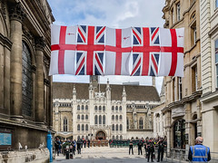 20180905-IMG_2852 Fusiliers Regiment 50th Anniversary (susi luard 2012) Tags: 50th ec2v fusiliers guild guildhall anniversary church flags london police regiment security soldiers uk yard