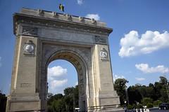 Arco de Triunfo (Bucarest, Rumanía, 16-8-2018) (Juanje Orío) Tags: 2018 bucarest rumanía românia valaquia arco monumento europa europe