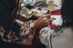 _MG_8322 (noemislee) Tags: henna tattoo tatuaje temporal temporary warm colors peru lima linaje peruano palestina palestine evento event noemislee noemi slee photography closeup hands embellishment traje tradicional hair girl 2018 woman