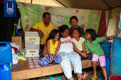 Philippines: Non-Muslim displaced families receive Qurbani meat