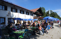 2018-09-09 Garmisch-Partenkirchen 049 Eckbauer Alm (Allie_Caulfield) Tags: foto photo image picture bild flickr high resolution hires jpg jpeg geotagged geo stockphoto cc sony rx100 summer sommer bayern alpen bavaria garmisch partenkirchen eckbauer alm partnachklamm wetterstein zugspitze gebirge bergbahn seilbahn wandern wanderung iv