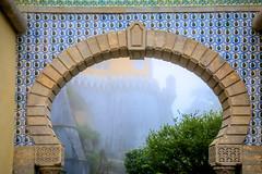 (Liane FKL) Tags: sintra portugal colors couleurs architecture graphic graphique géométric géométrique archway arche arch brume brouillard fog azulejos palais pena palacio