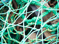 Knots and spaces (S's images) Tags: south devon brixham quay boats ropes knots green rusted absrtact