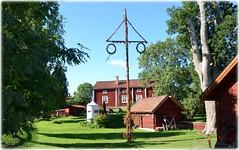 Öregrund (lagergrenjan) Tags: öregrund hus museum midsommarstång