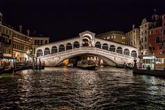 Rialtobrücke in Venedig bei Nacht (stefangruber82) Tags: italien italy venedig venice bridge brücke meer sea kanal channel canalgrande