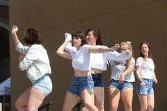 2018_AF_3140 (Knox Triathlon Dude) Tags: 2018 dance korean croptop croppedtop belly abs festival usa bellybutton shorts denim bellyshirt daisydukes shortshorts lady dancer knoxville tn female kpop midriff beautiful pretty