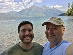 Glacier Selfie (TagDragon) Tags: park selfie lake roadtrip vacation nps 2018 nationalparkservice glaciernationalpark